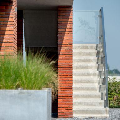Villa nijmegen rosta donkerbruin zwart gesinterd